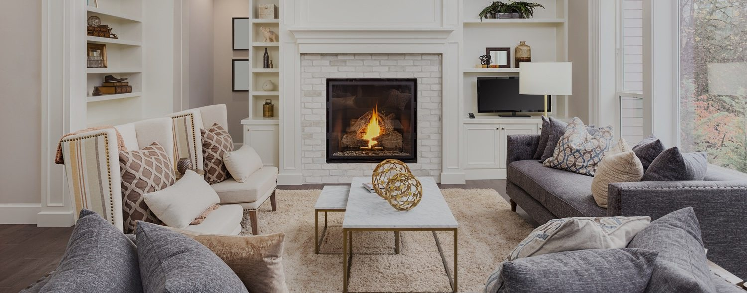 Seating area with a fireplace